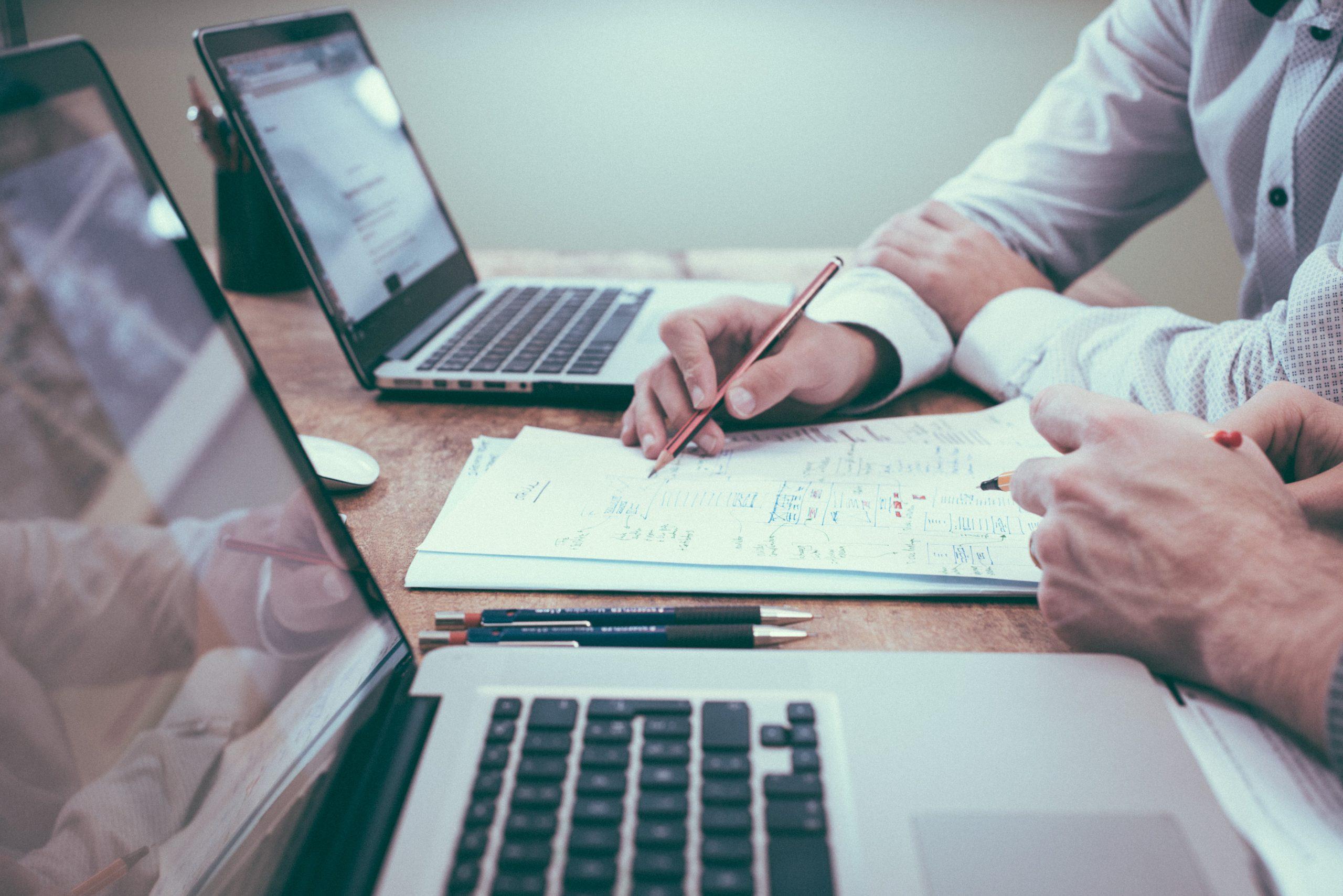 Waarom online bedrijfstrainingen niet altijd werken – en welke aanpak wèl werkt